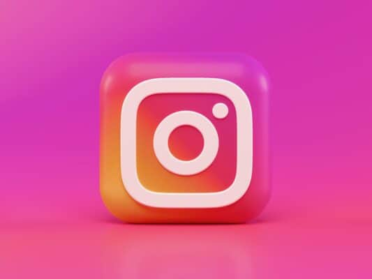 get trending on instagram